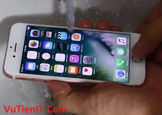 iphone 7 plus chong nuoc